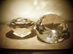 diamond-paper-weights-window-display